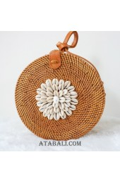 rattan circle sling bags with cowrie shells flower decoration